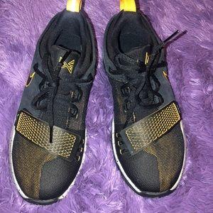 paul George Athletic shoe